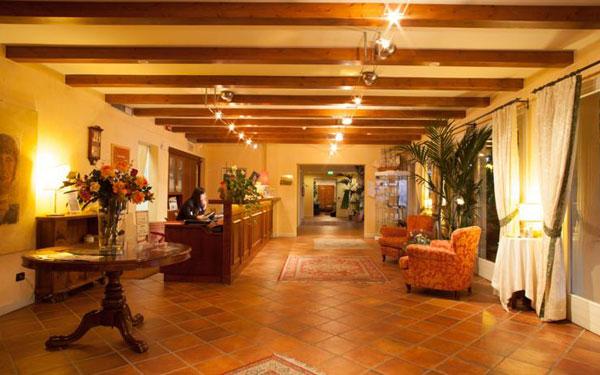 Boffenigo small beautiful hotel costermano veneto for Beautiful small hotels