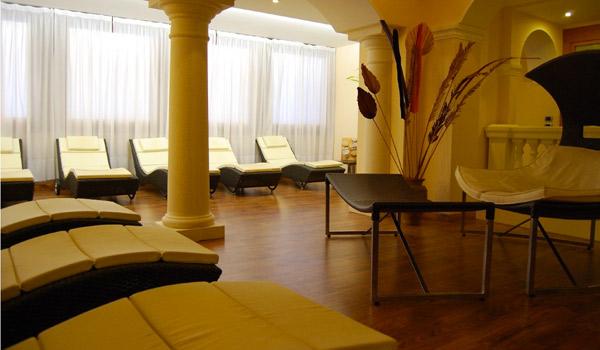 Aparthotel garda sol beauty spa toscolano maderno for Cabine al lago della piscina di joe